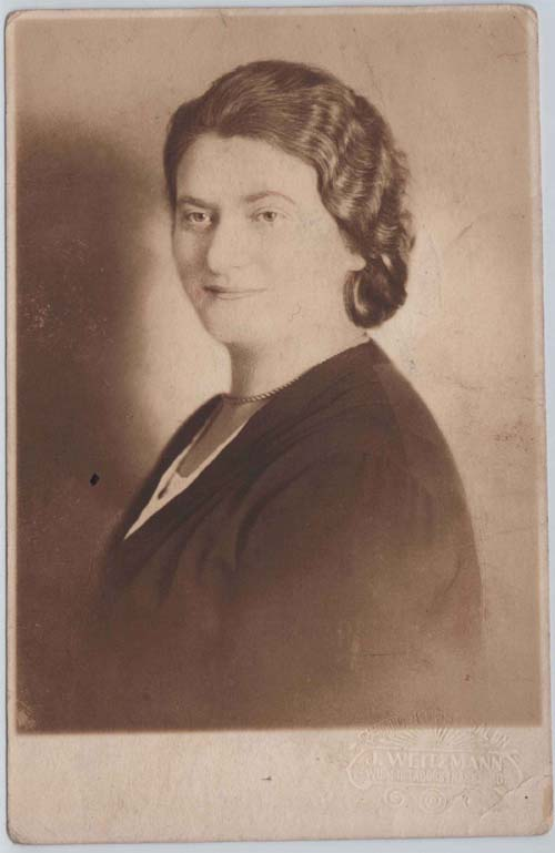Janka (Chana) Schwarz née Schotten.